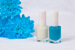Blue and white nails polish for france manicure