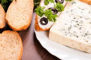Bread And Blue Cheese