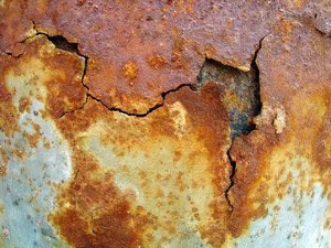 Broken_metal_rusty_sheet