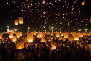 CHIANG MAI, THAILAND - OCTOBER 25, 2014: Floating lanterns yeepeng or loi krathong festival at Chiang Mai, Thailand.