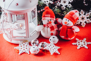 Lantern and snowmen toys