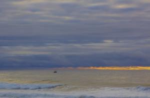 多雲海洋日落