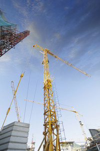 construction industry and cranes