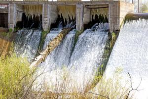Dam 162