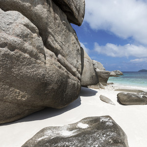 Large boulders along the beach