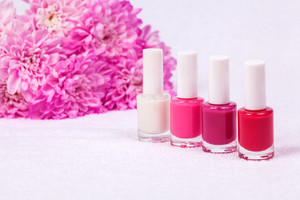 Different shades of rose nail polish for manicure