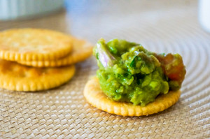 Guacamole With Crackers