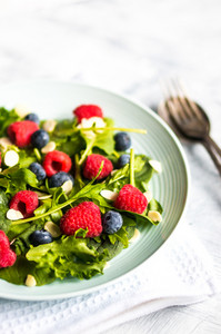 Green Salad With Berries And Almonds