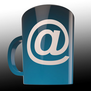 E-mail Coffee Cup Shows Internet CafÚ Communication
