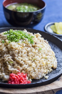 fried rice on hot pan japanese style