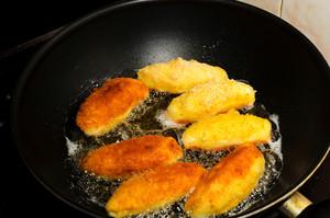 Frying Potato Sticks