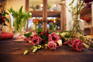 Close-up of dry rose bunch on florist table