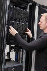 It consultant installing server in datacenter