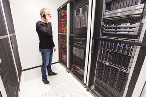 It consultant work in large datacenter