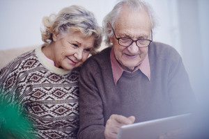 Modern seniors spending leisure online