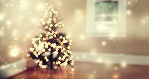 Star shaped lights on a Christmas tree