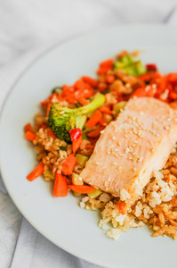 Grilled Salmon With Quinoa And Vegetables