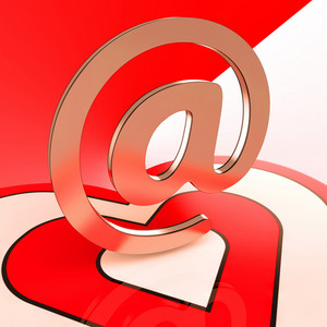 Heart E-mail Shows Romance Through Internet Message