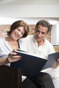 Hispanic couple in living room