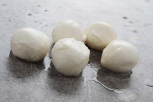 Round Mozzarella Pearls