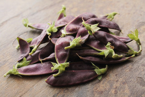 Fresh Purple Mangetout