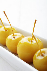 Cheery Apples In Syrup