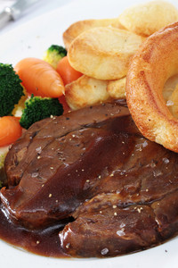 Traditional Roast Beef Dinner