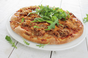 Pulled Chicken Pizza With Rocket