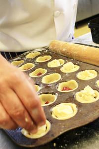 Traditional Bakewell Tart Pudding