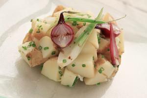 Fresh Potato Salad With Onion