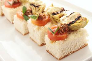 Artichoke Tomato Pesto Canapes