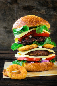 Juicy Beef Burger And Onion Ring