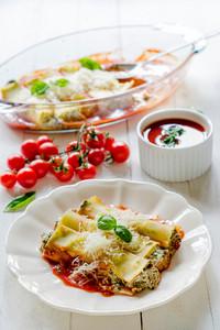 Pasta Manicotti
