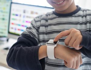 Kid using smart watch