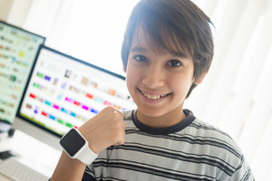 Kid using smart watch