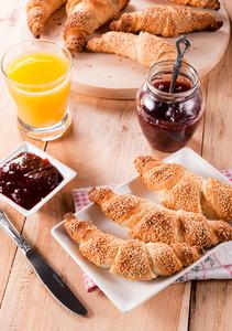 Croissant Time