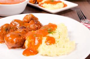 Mashed Potato And Meatballs