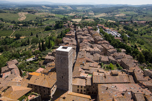 Medieval Tuscany town - San Gimignano- top view