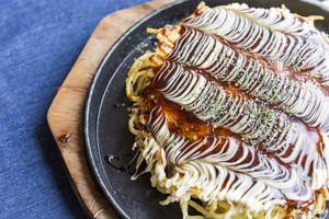 Modanyaki Okonomiyaki Japanses Pizza