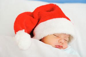 Recém-nascido de Santa dormir