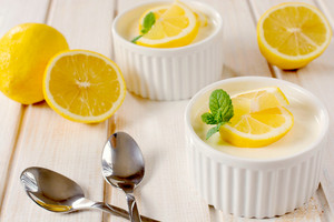 Panna Cotta With Lemon