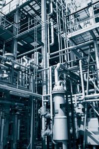 pipelines inside refinery
