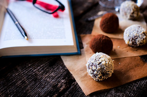 Pralines And Book