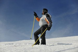 Skier pointing direction