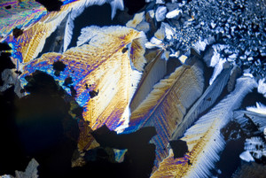 Soot Particles And Microcrystals In Polarized Light