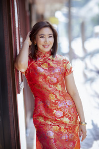 asian woman wearing chinese tradition clothes toothy smiling face happiness emotion
