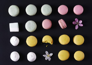 Colorful macaroons marshmallows with flowers