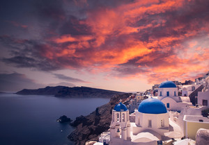 Gorgeous Santorini scene at sunset