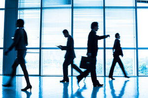 Image of hurry businesspeople during the rush hour