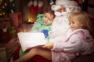 Mysterious tale read by the Santa Claus